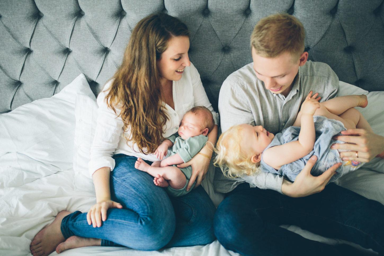 nyfödd bebis familj göteborg fotografering