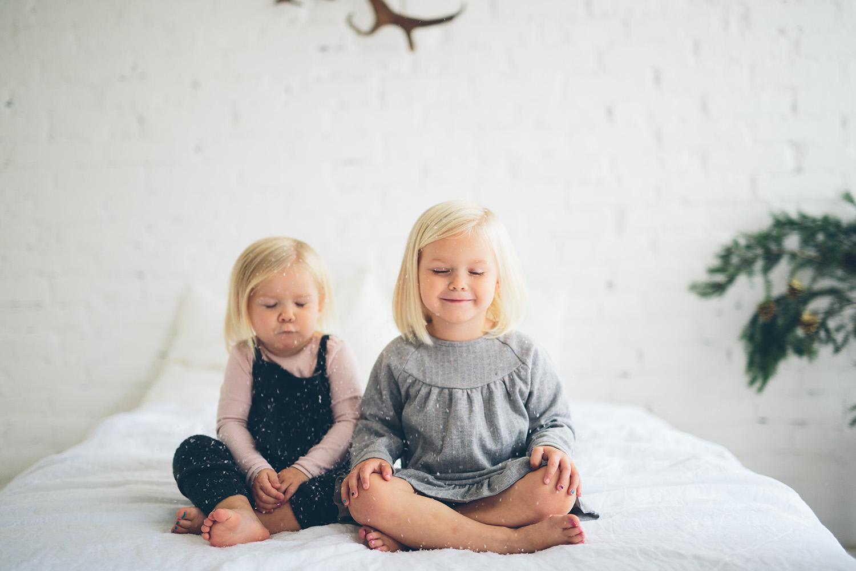 julfotografering göteborg det snöar på två barn